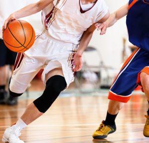 アマチュアとプロのバスケットボールにはルールの違いがあるの?